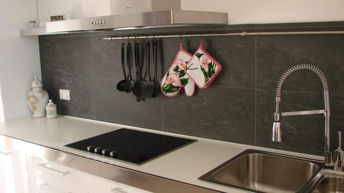 Rivestimenti in ardesia garbarino e cuneo ardesia per - Ardesia in cucina ...